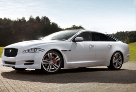 Location Jaguar XJ Le Perchay